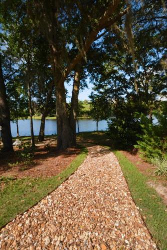 Walkway to Lake 1